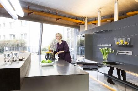 kuechentraume_bartelt_frankfurt_kitchen_exclusive_metallise